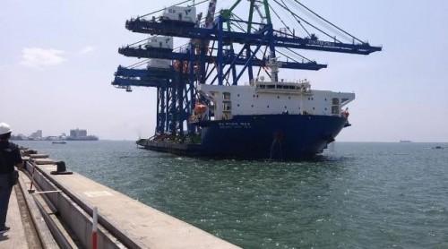 Menjelang akhir tahun, PT Pelabuhan Indonesia IV (Persero) kembali mendatangkan alat berupa 2 unit Container Crane (CC) atau Ship to Shore Container Crane (STS Crane) ukuran Post Panamax yang akan dioperasikan di dermaga Makassar New Port (MNP).