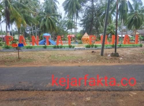 Wisata Pantai Punai Desa Tanjung Kelumpang Kabupaten Beltim. Selasa (17/12/2019). Foto:Suherman Fuad.