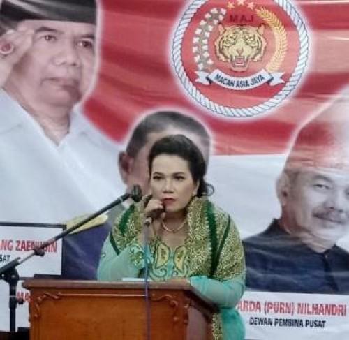 Ketum  DPP Macan Asia Jaya Dewi Cotto