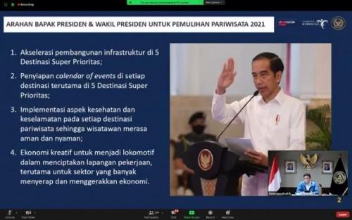 Menparekraf Sandiaga Uno dalam diskusi dengan Kepala Dinas Pariwisata Kabupaten dan Kotamdaya seluruh Indonesia secara virtual, Sabtu (26/12/2020). (Foto: Humas Kemenparekraf)